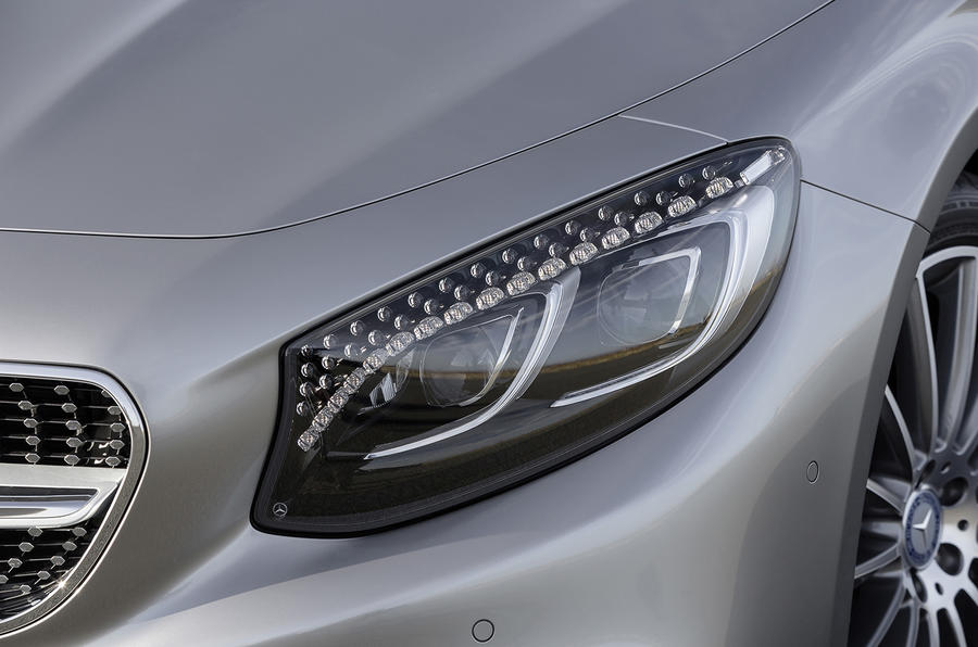 Mercedes-Benz S 500 Coupe 4Matic LED headlights