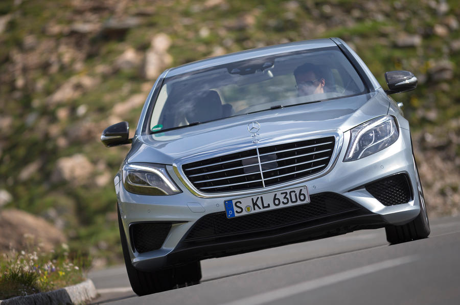 Mercedes-Benz S 63 AMG cornering