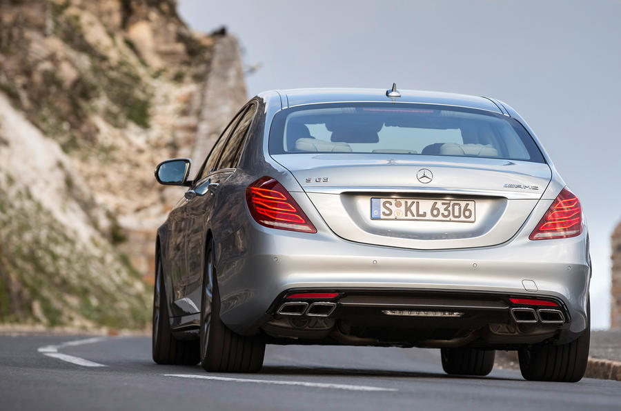 Mercedes-Benz S 63 AMG rear cornering