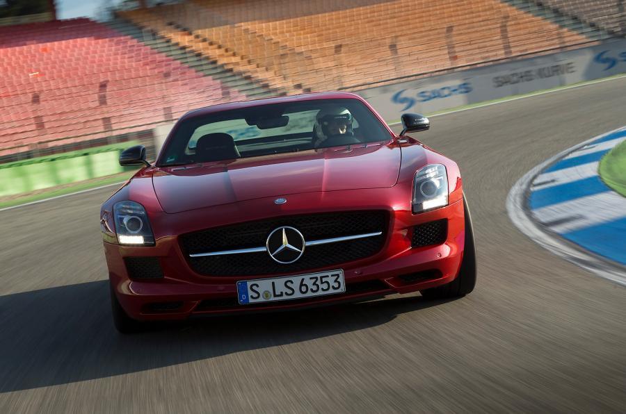Mercedes-AMG SLS GT cornering