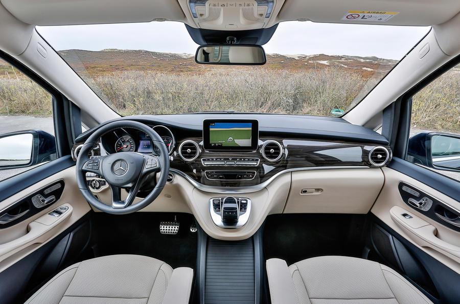 mercedes v class v250 bluetec first drive review. Black Bedroom Furniture Sets. Home Design Ideas