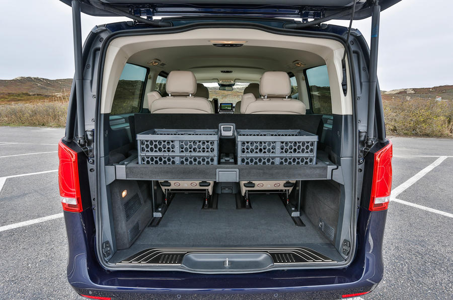 Mercedes V250 BlueTec boot space