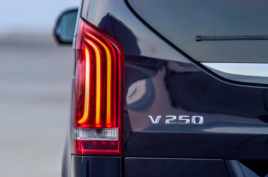 Mercedes V250 BlueTec LED tailight