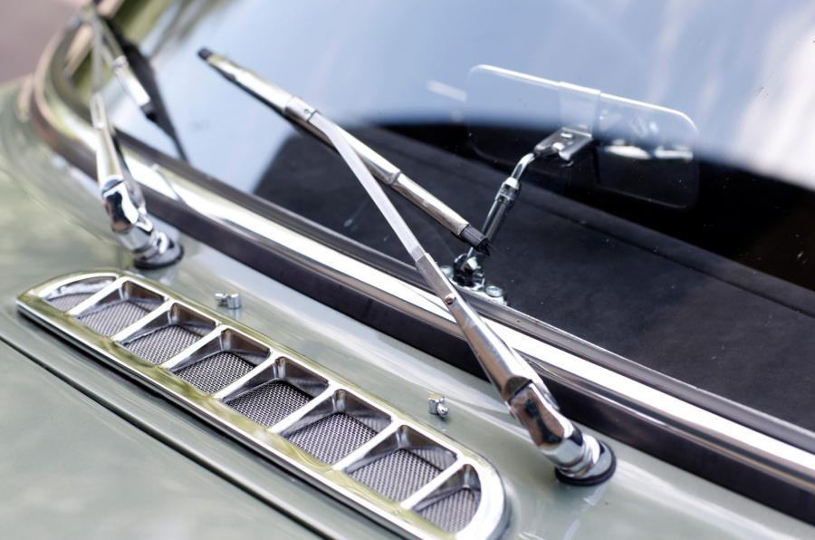 MG LE50 windscreen wipers