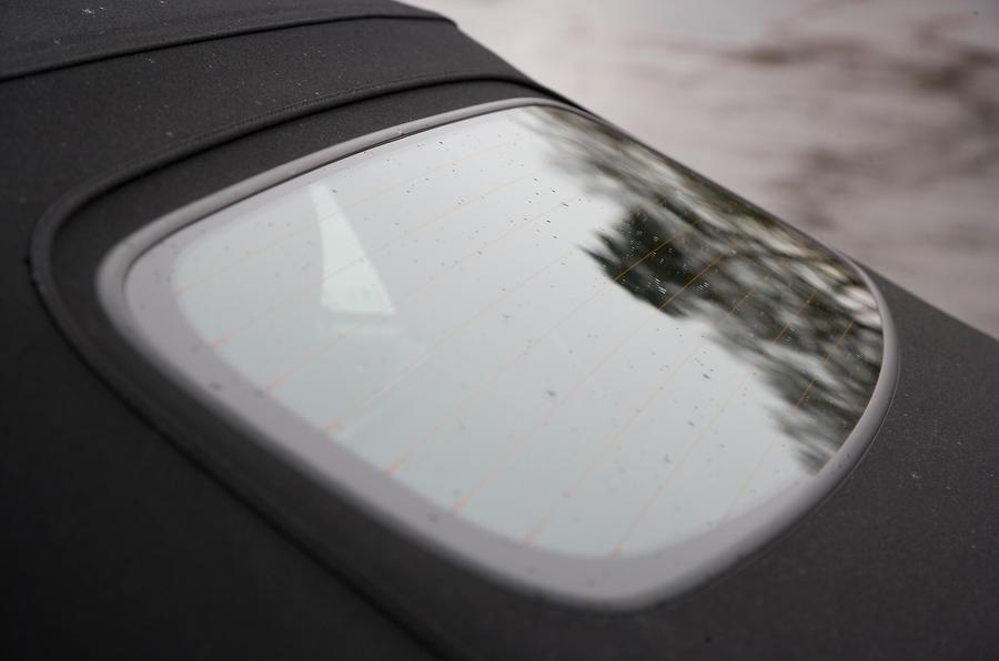 MG TF rear windscreen