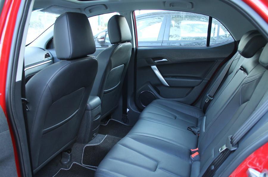 MG5 rear seats