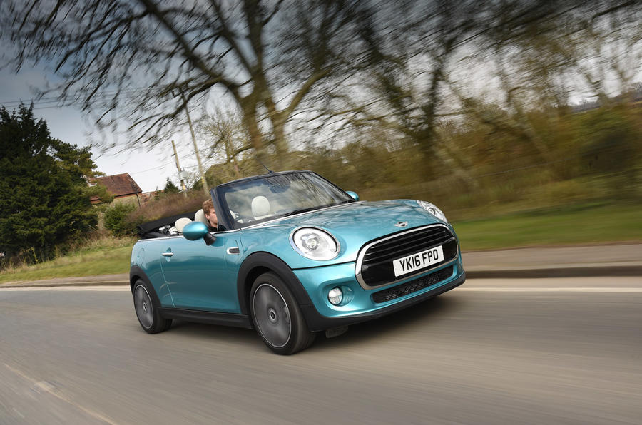 Mini Convertible cornering