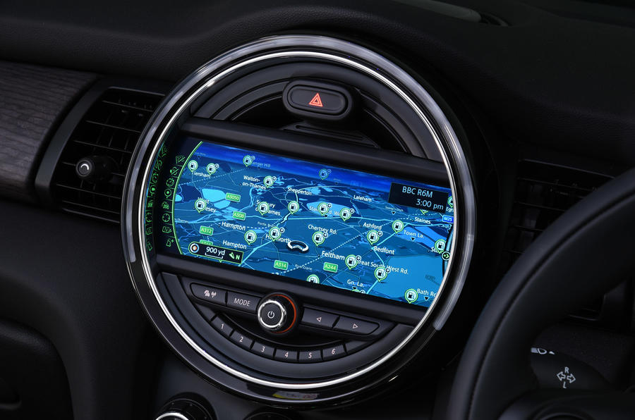 Mini Convertible Media XL infotainment