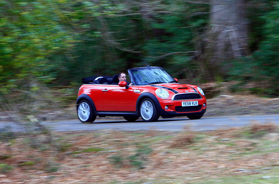 Mini Convertible front quarter
