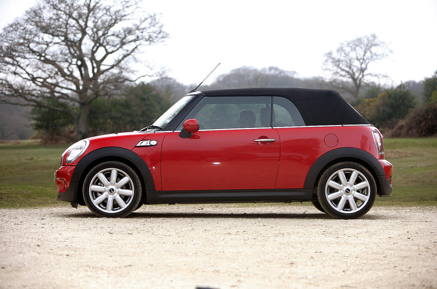 Mini Convertible roof up