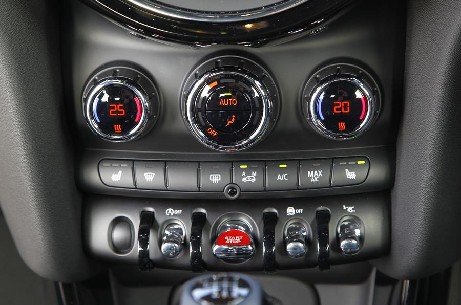 Mini Cooper centre console