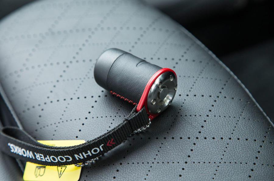 Mini Cooper S Works 210 active exhaust controller