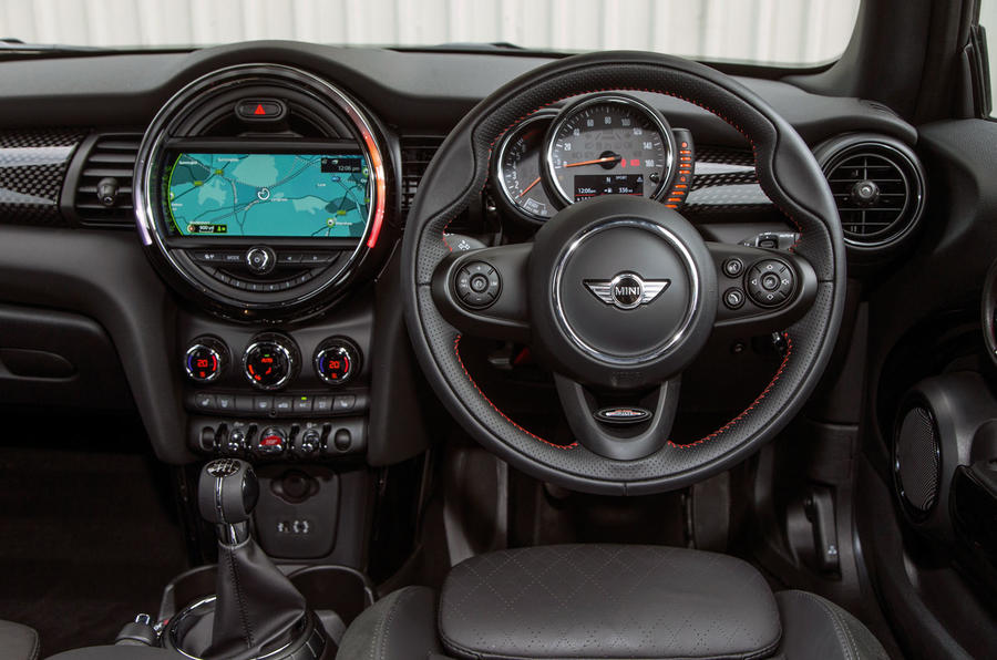 Mini Cooper S Works 210 dashboard