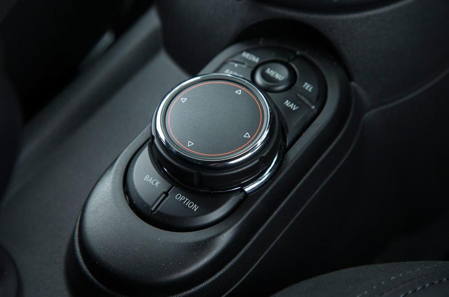 Mini Cooper S Works 210 infotainment controller