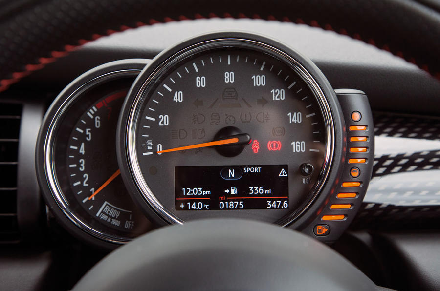 Mini Cooper S Works 210 instrument cluster