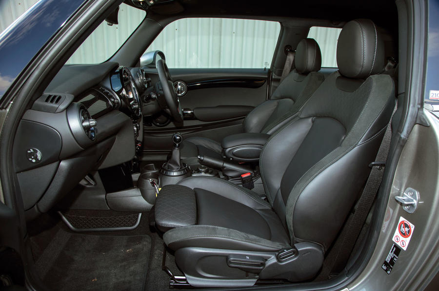 Mini Cooper S Works 210 interior