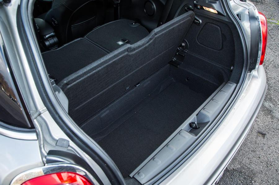 Mini Cooper S Works 210 under boot floor space