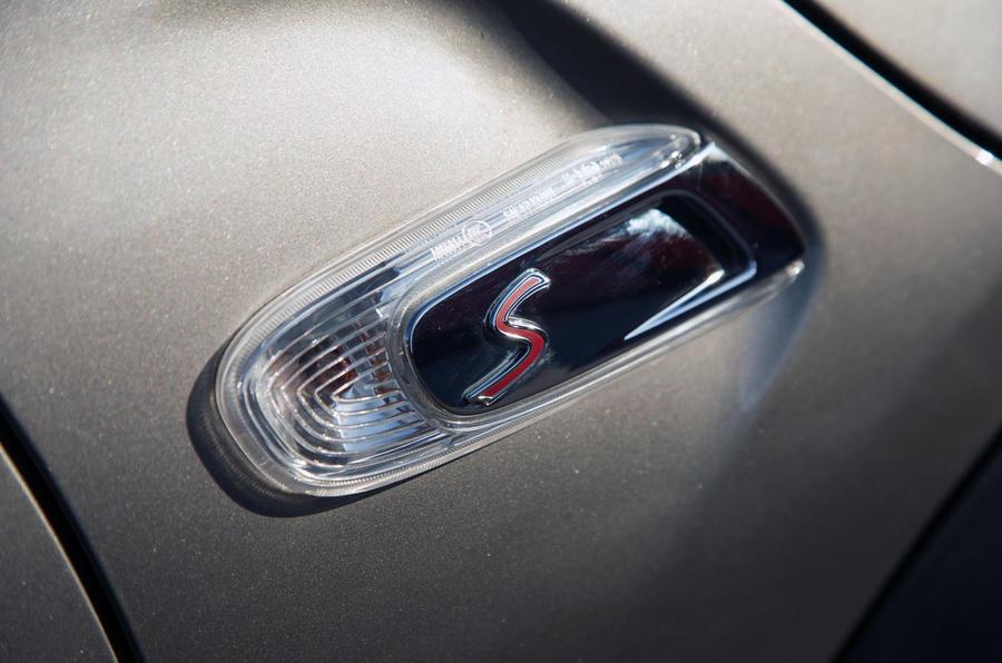 Mini Cooper S Works 210 white indicator lenses