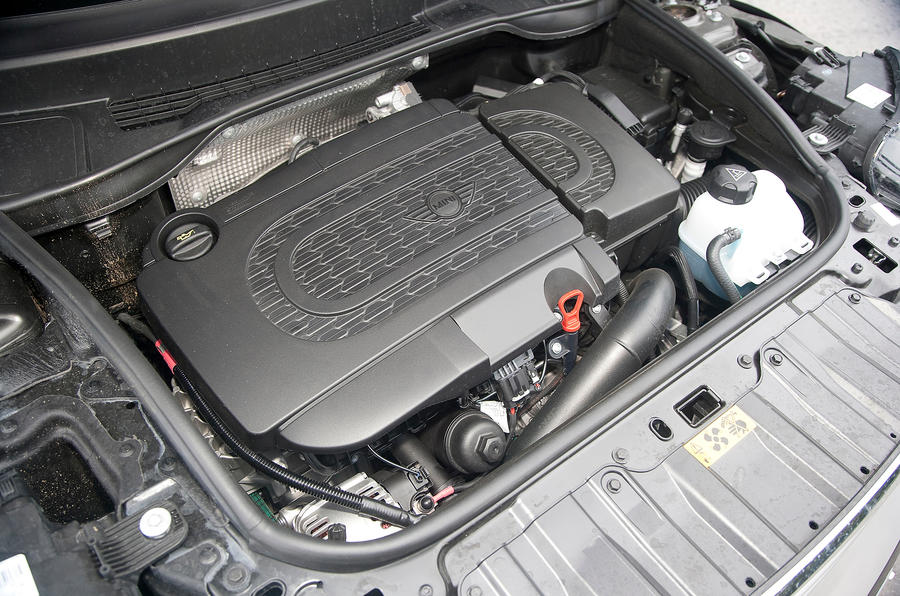 Mini Countryman diesel engine bay