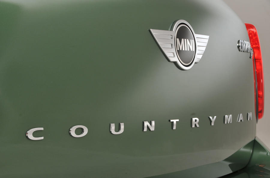 Mini Countryman badging