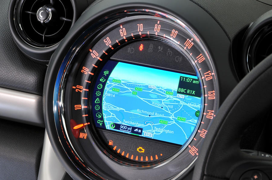 Mini Countryman infotainment system