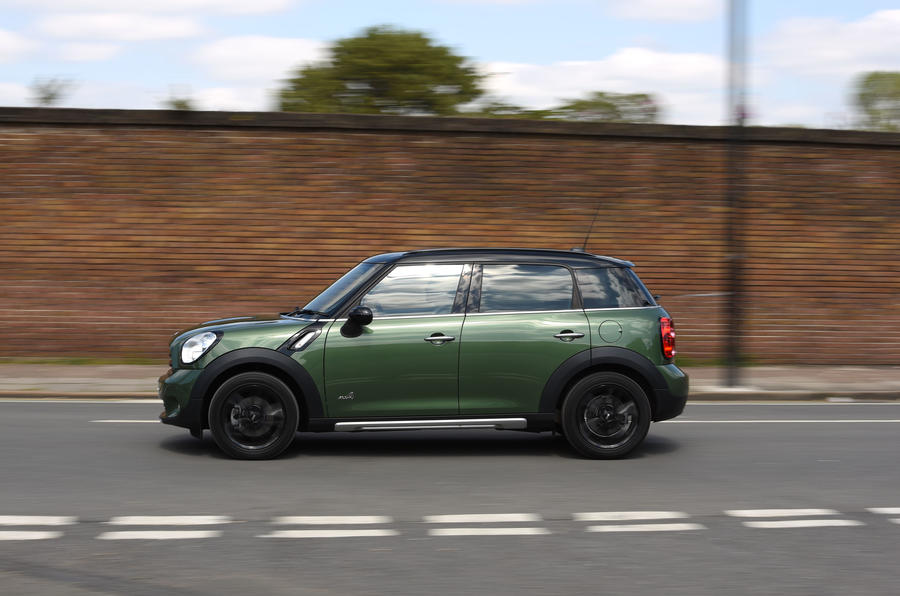 Mini Countryman side profile