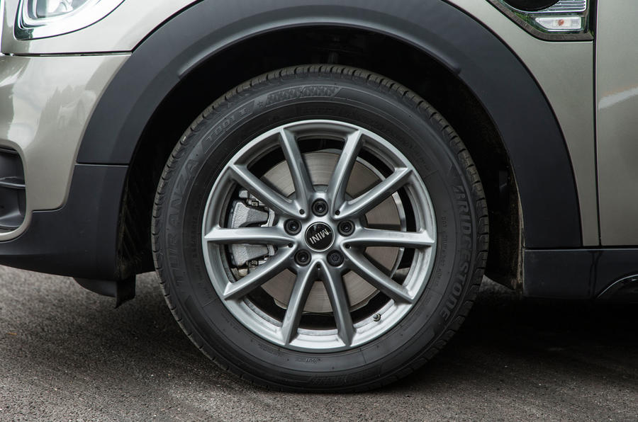 Mini Countryman S E All4 alloy wheels