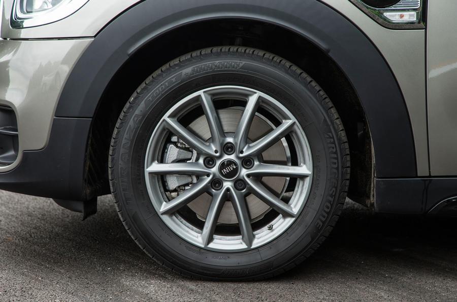 Mini Countryman S E All4 alloy wheels