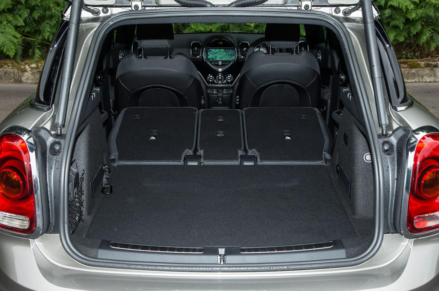 mini countryman boot space