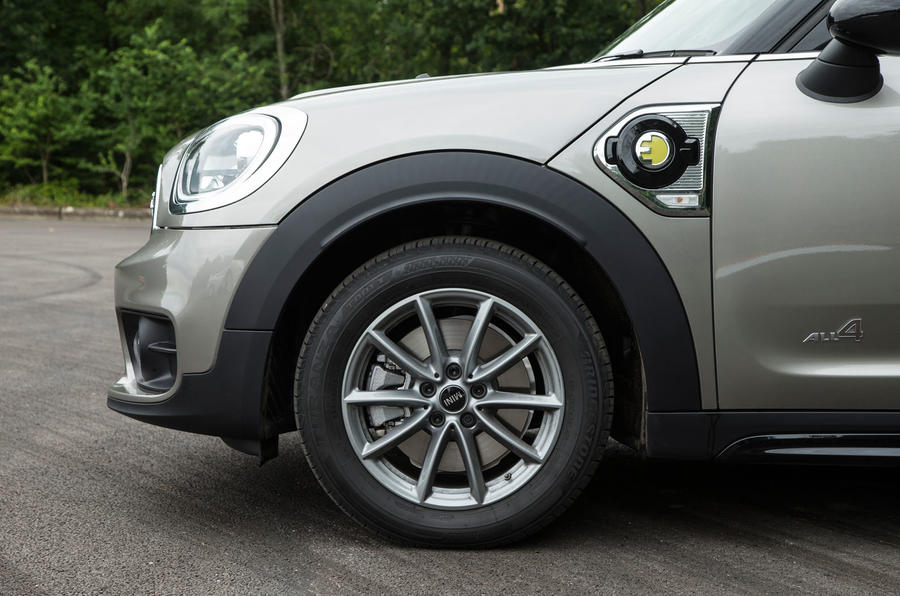 Mini Countryman S E All4 front end