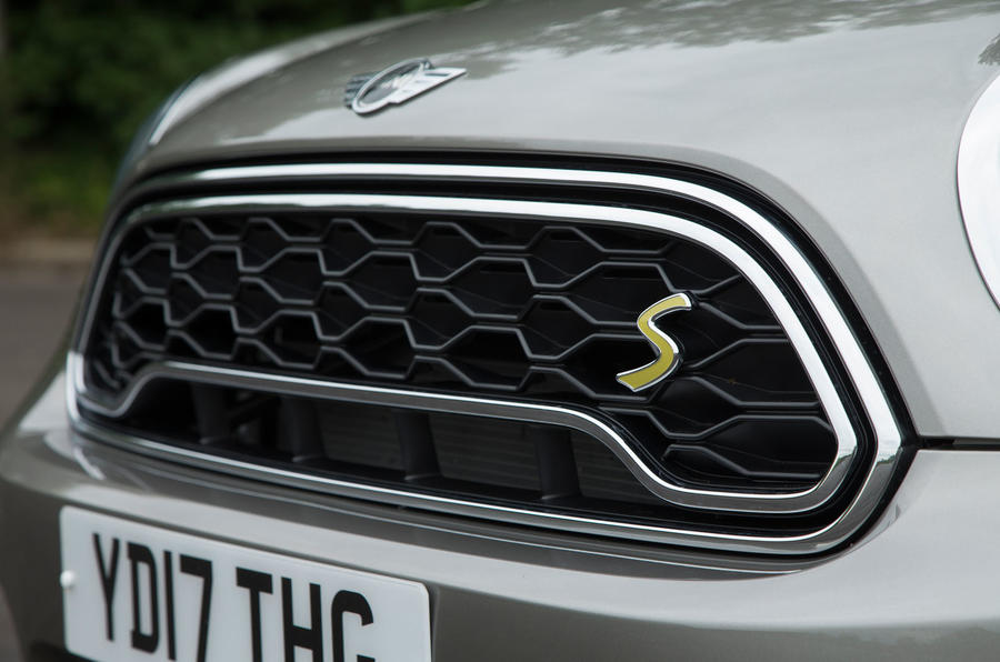 Mini Countryman S E All4 front grille