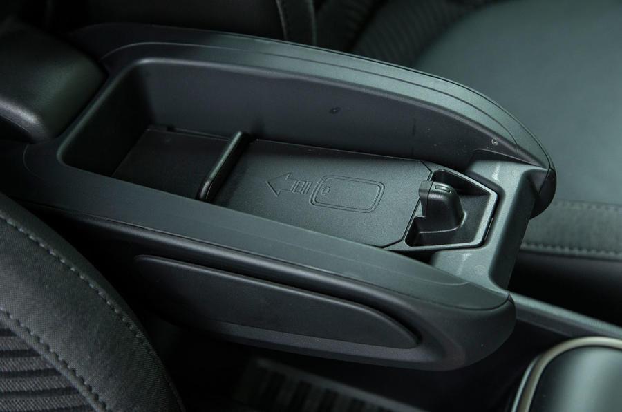 Mini Countryman Cooper S E All4 Review (2017) | Autocar