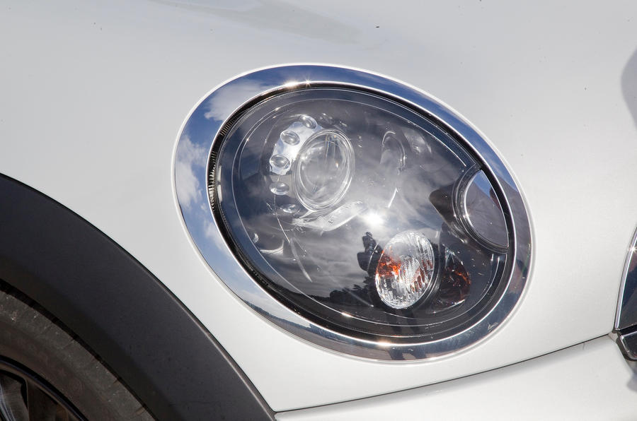Mini Coupé headlight