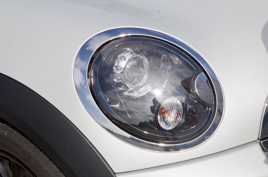 Mini Coupé headlight