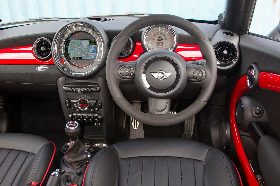 Mini Coupé dashboard