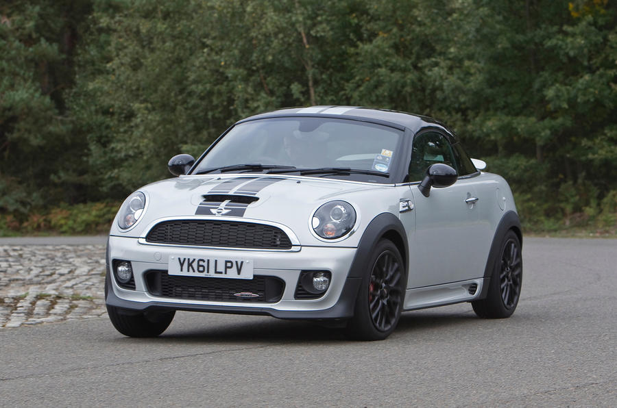 Mini Coupé cornering