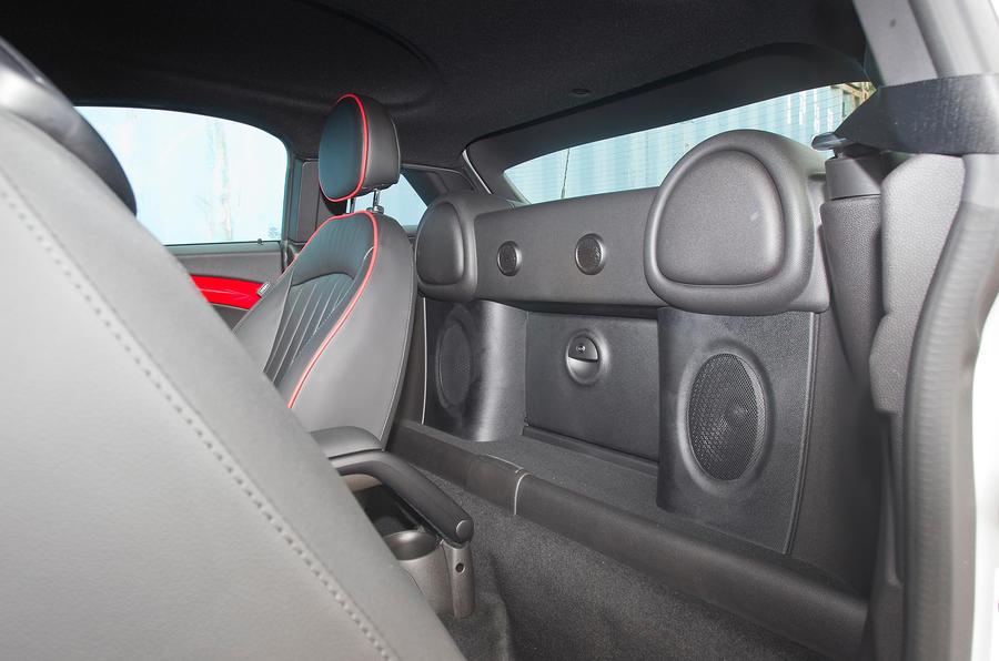 Mini Coupé rear space