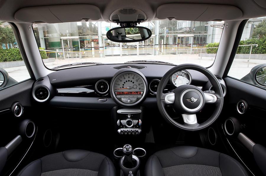 Mini Hatch dashboard