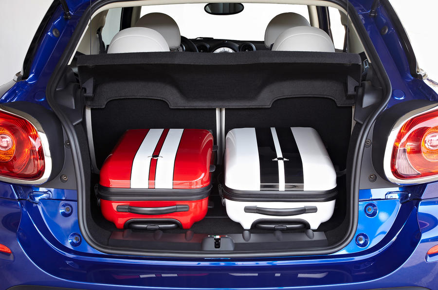 Mini Paceman boot space