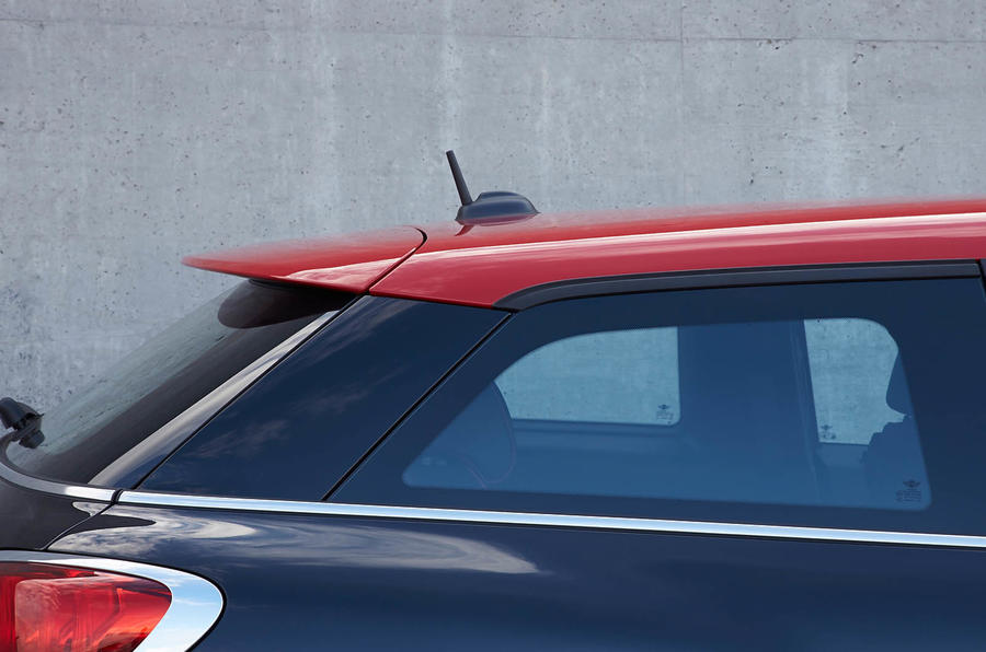 Mini Paceman JCW sloping roofline