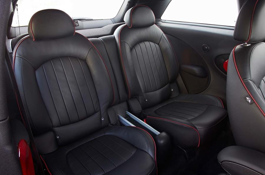 Mini Paceman JCW rear seats