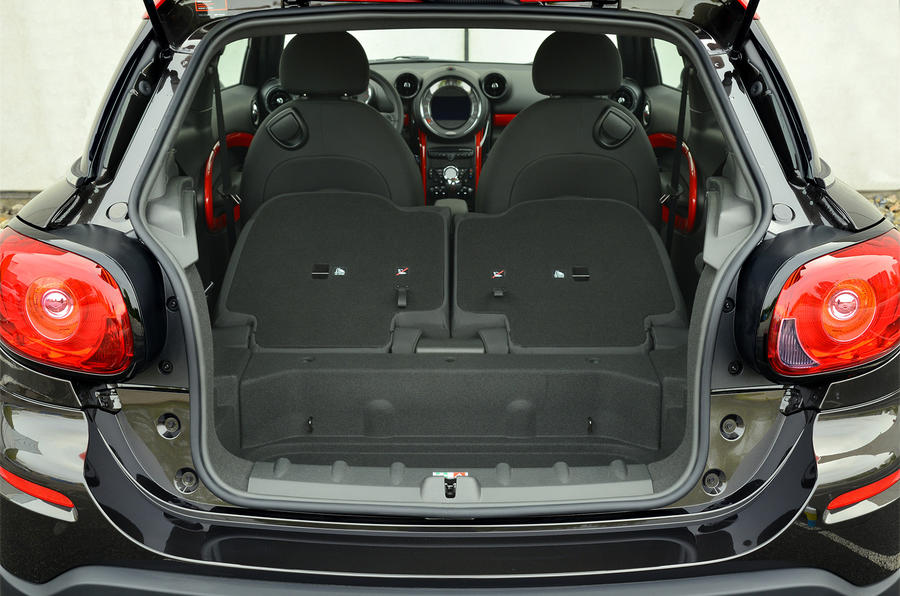 Mini JCW Paceman All4 extended boot space