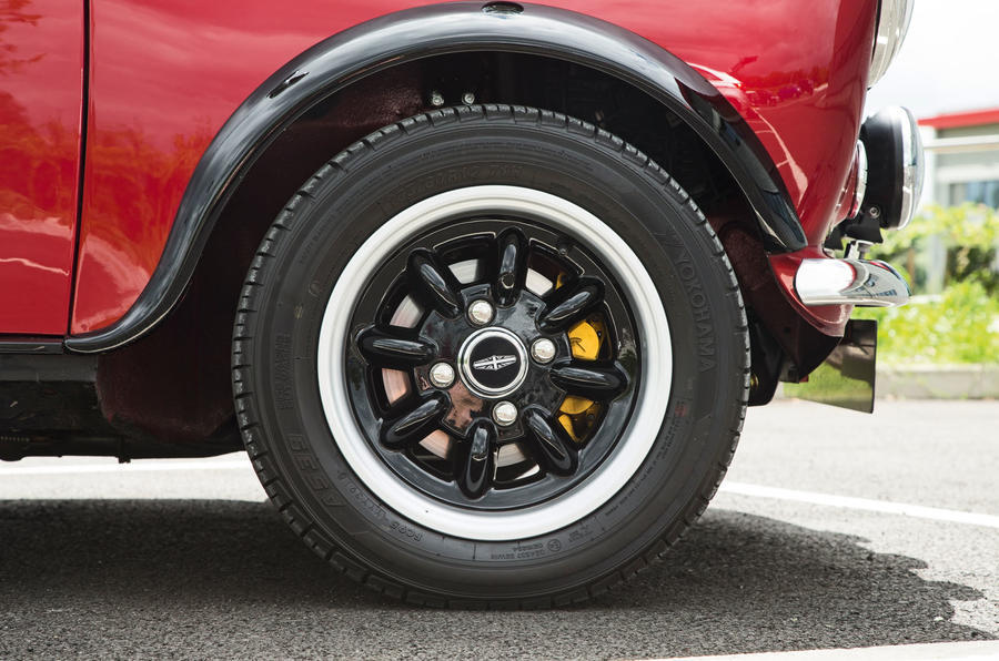 12in Mini Remastered alloy wheels