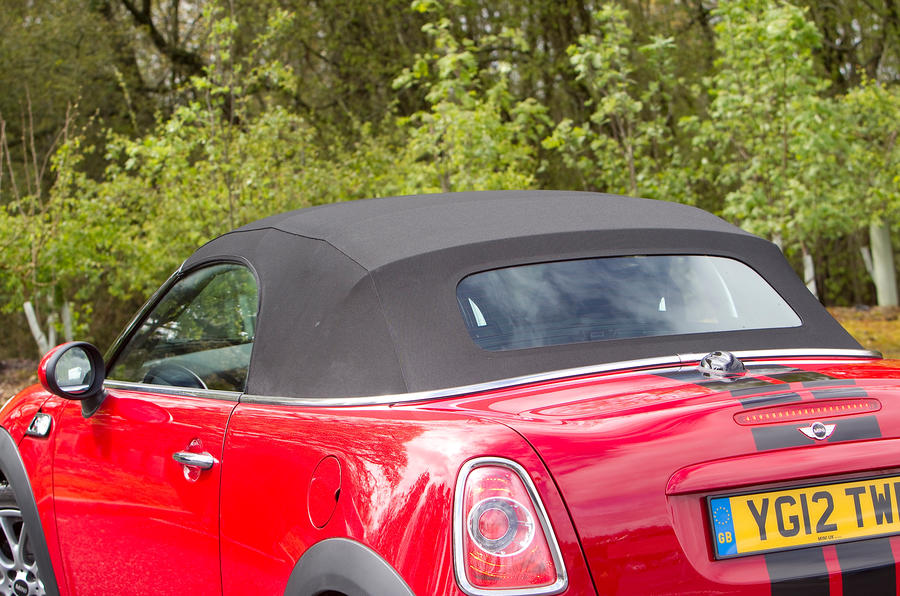Mini Roadster convertible roof
