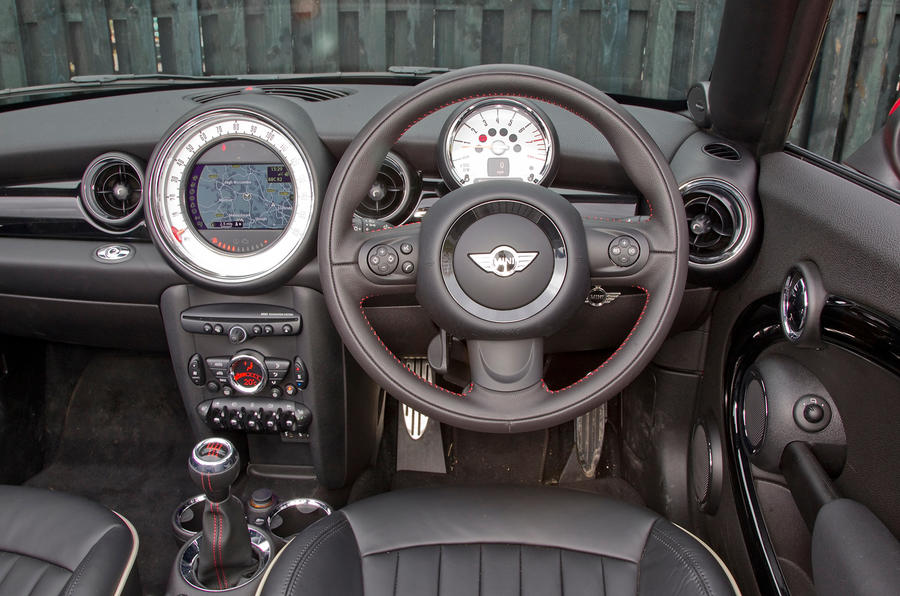 Mini Roadster dashboard