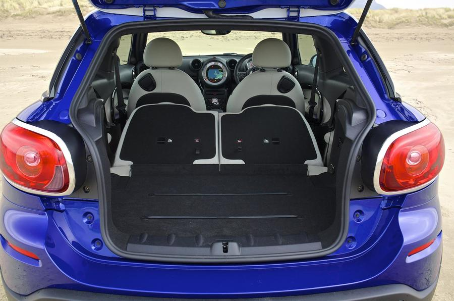 Mini Paceman seating flexibility
