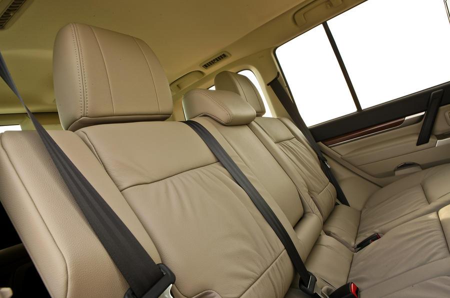 Mitsubishi Shogun rear seats