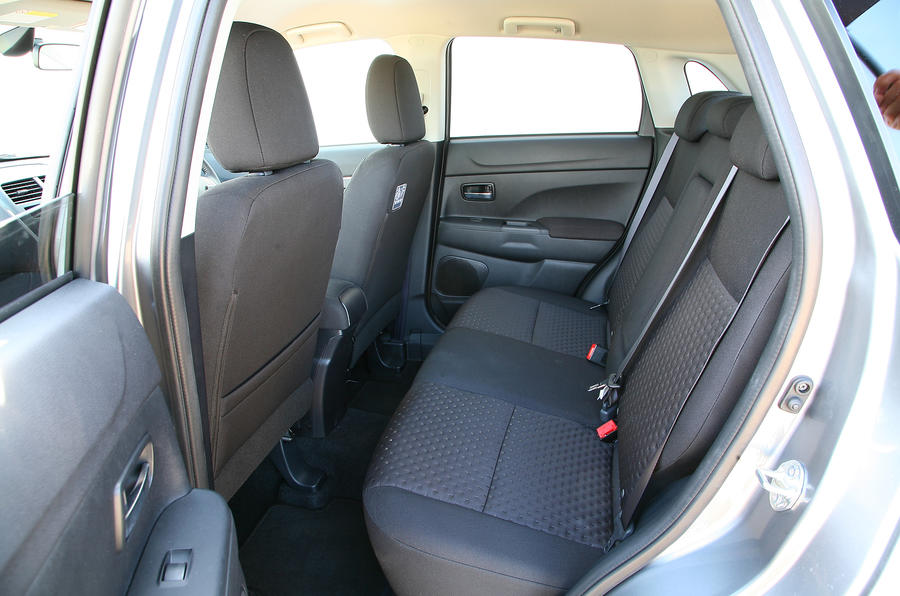 Mitsubishi ASX rear seats