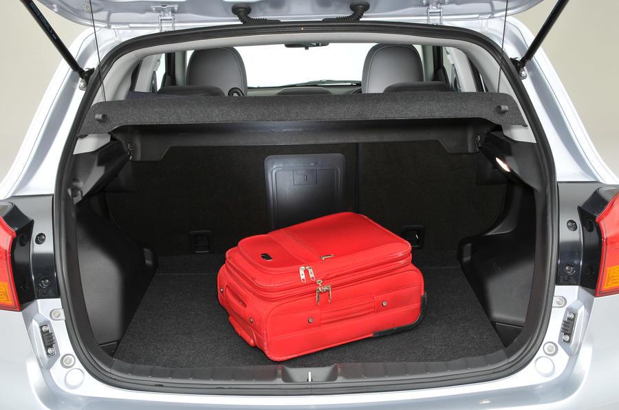 Mitsubishi ASX boot space