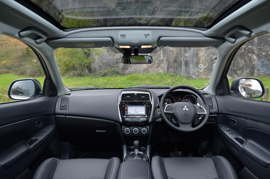 Mitsubishi ASX dashboard